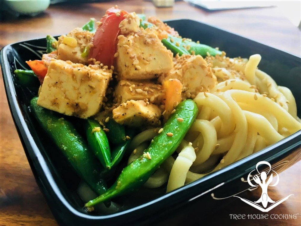 Udon Noodles with Tofu, Snap Peas and Tomato 1